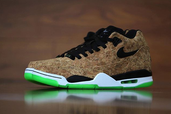 newest e59d1 7059c SNEAKER CHECK-OUT  Nike Flight Squad  Cork