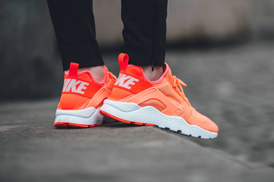 Nike - Women\'s Air Huarache Run Ultra Bright Mango