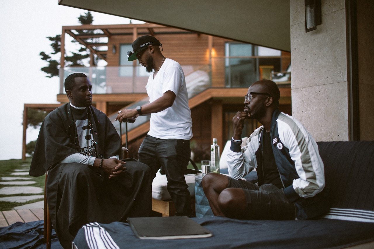 Photos puff daddy had meeting of the minds with black for Black coffee house music